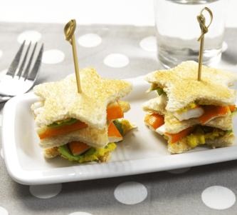 Club sandwich aux Petits Coraya, crème de maïs et poivrons